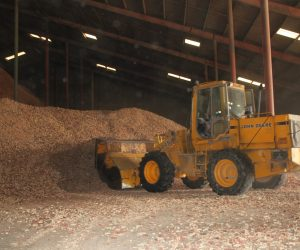 End Loader Scooping Cobs